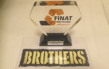 brothers-drinks-finat-receycling-award-220x140